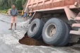 Jalan Amblas, Akses Utama Pekanbaru - Pangkalan Kerinci Terputus